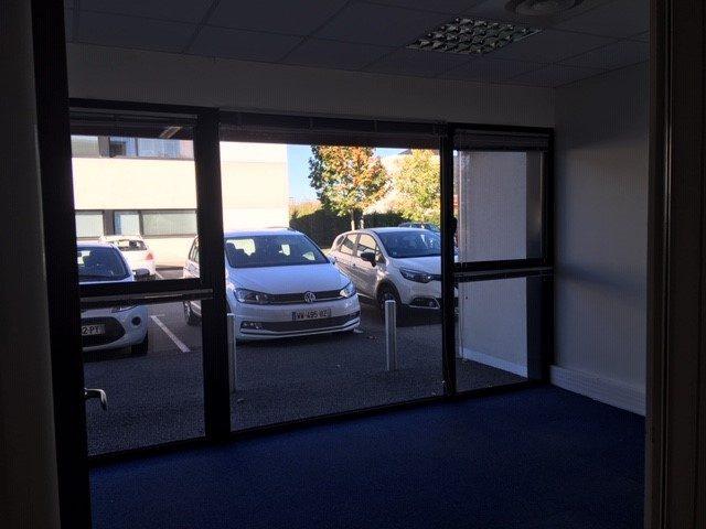 Louer Bureau Bureau, La Roche-sur-Yon 120 m2 - LP332-DURET