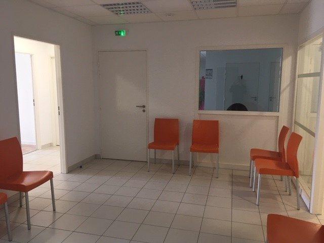 Louer Local professionnel Local professionnel, Talmont-Saint-Hilaire 23 m2 - LP486-DURET