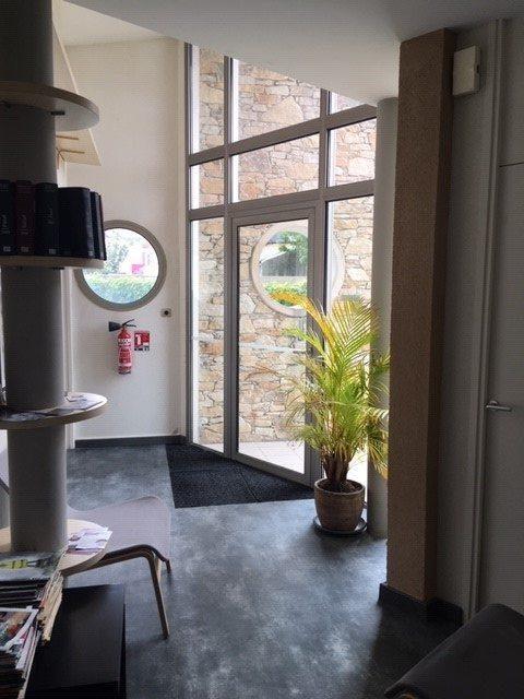 Louer Bureau Bureau, La Roche-sur-Yon 140 m2 - LP552-DURET