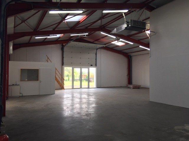 Louer Local professionnel Local professionnel, Dompierre-sur-Yon 220 m2 - LP474-DURET