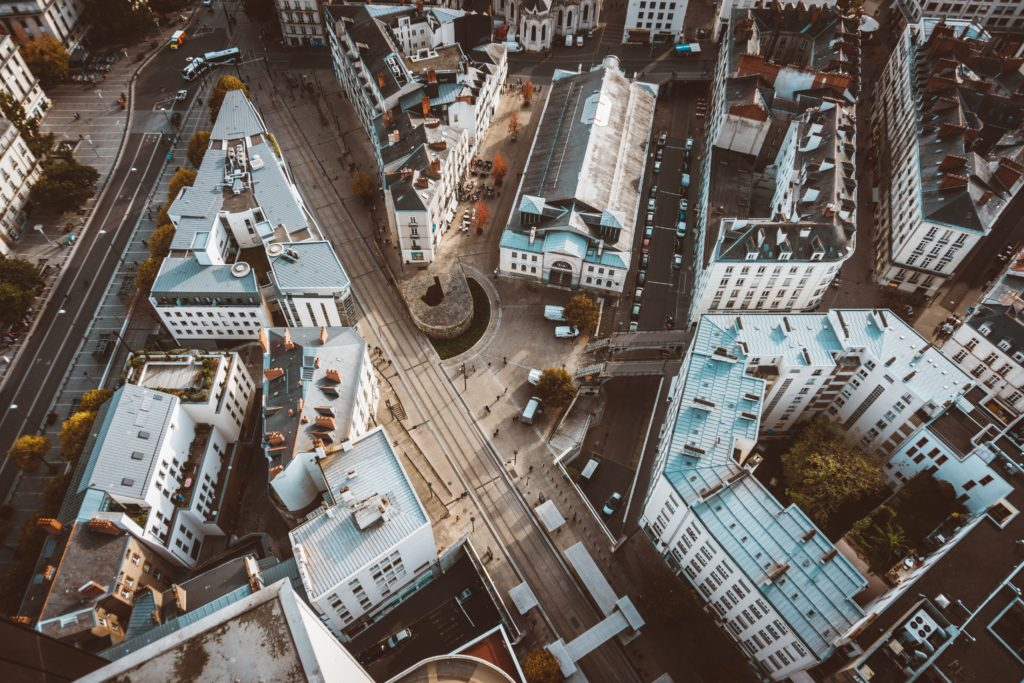 Implanter ses bureaux en ville ou en périphérie ? Question de stratégie immobilière