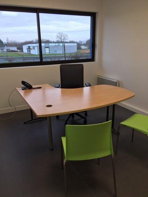 Louer Bureau Bureau, Dompierre-sur-Yon 27 m2 - LP416-DURET