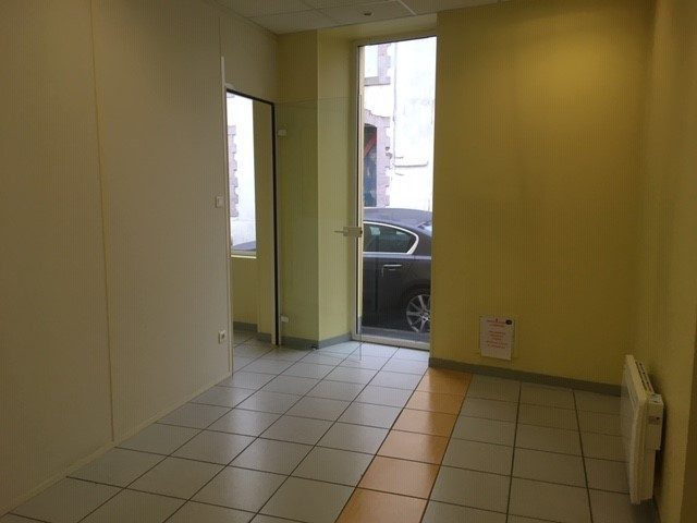 Louer Local commercial Local commercial, La Roche-sur-Yon 90 m2 - LP666-DURET