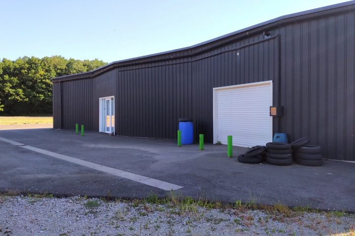 Acheter Local professionnel Local professionnel, Aizenay 600 m2 - VP732-DURET