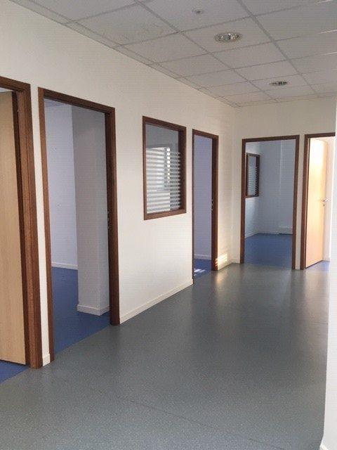 Louer Bureau Bureau, La Roche-sur-Yon 136 m2 - LP740-DURET