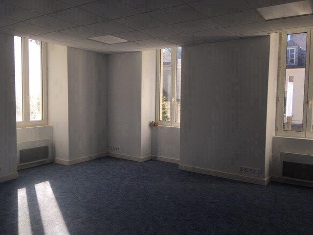 Louer Bureau Bureau, La Roche-sur-Yon 100 m2 - LP736-DURET