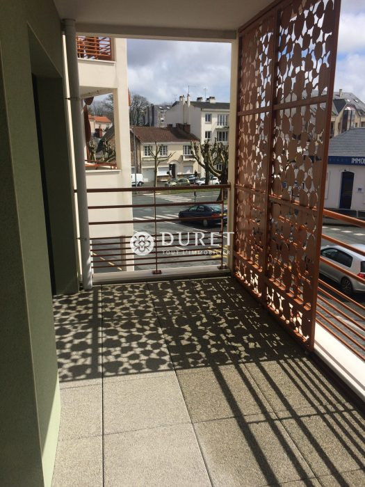 Louer Bureau Bureau, La Roche-sur-Yon 62 m2 - LP218-DURET