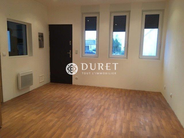 Louer Local professionnel Local professionnel, La Roche-sur-Yon 145 m2 - LP664-DURET