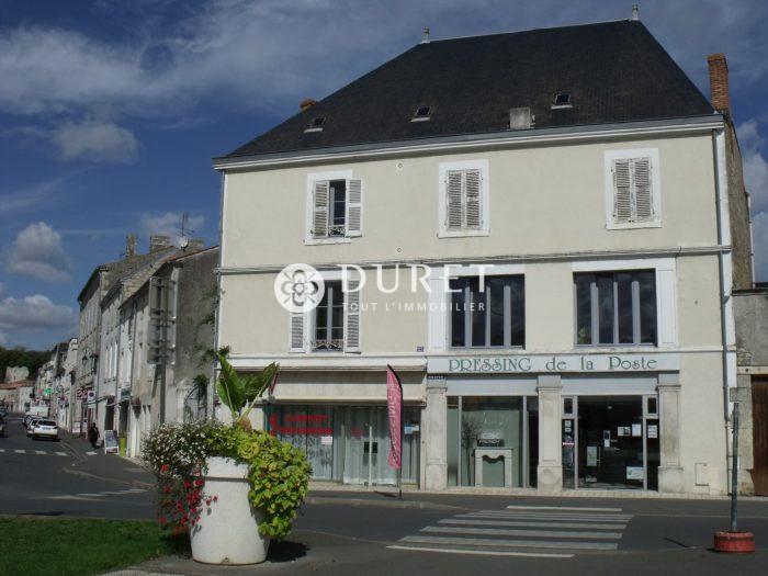Louer Local commercial Local commercial, fontenay le comte 130 m2 - LP876-DURET