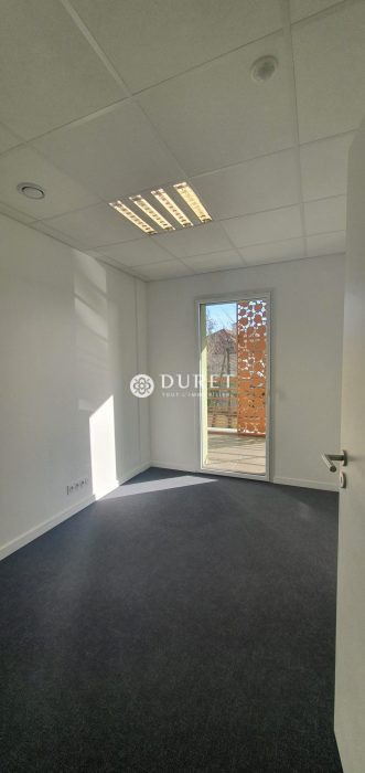 Louer Bureau Bureau, La Roche-sur-Yon 39 m2 - LP810-DURET