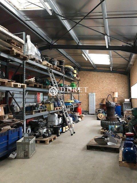 Louer Local professionnel Local professionnel, La Roche-sur-Yon 764 m2 - LP922-DURET