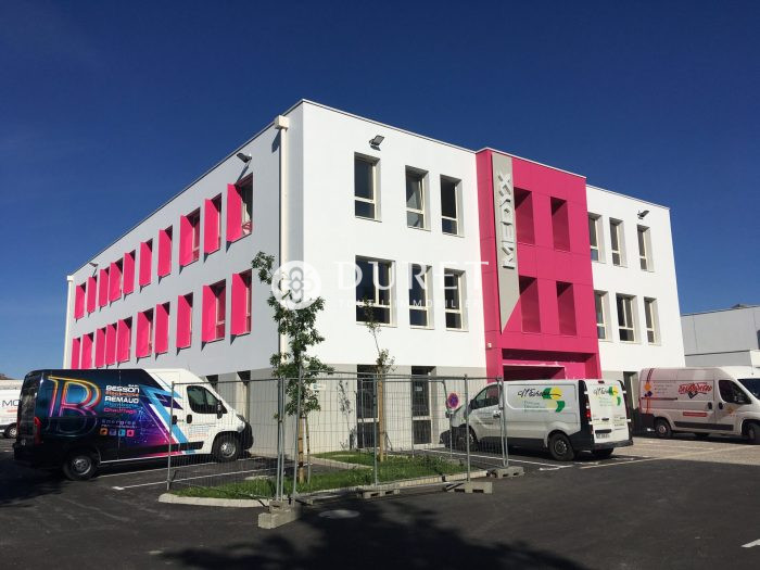 Acheter Local professionnel Local professionnel, La Roche-sur-Yon 122 m2 - VP994-DURET