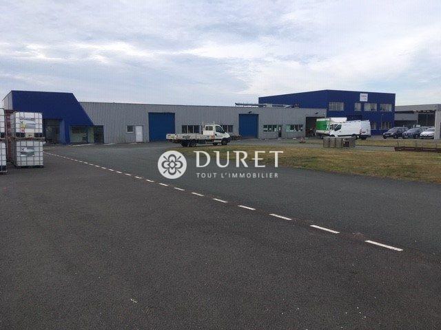 Louer Local industriel Local industriel, Les Achards 1800 m2 - LP800-DURET