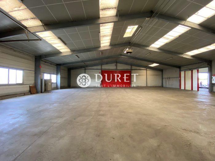 Louer Local professionnel Local professionnel, Mortagne-sur-Sèvre 2800 m2 - LP1004-DURET