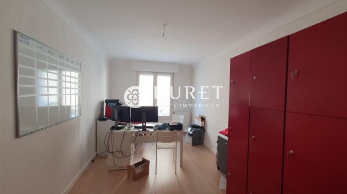 Louer Bureau Bureau, La Roche-sur-Yon 80 m2 - LP1052-DURET
