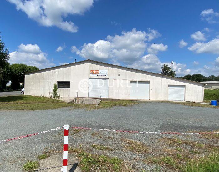 Louer Local professionnel Local professionnel, Les Epesses 985 m2 - LP1096-DURET